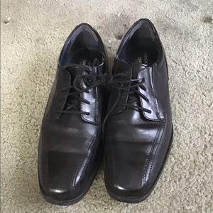 Men's size 9 Dockers dress shoe